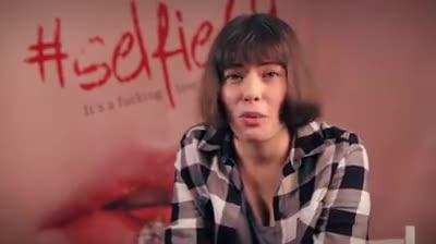 Crina Semciuc - Cum a fost sa filmezi o secventa lesbi cu Raluca Aprodu?