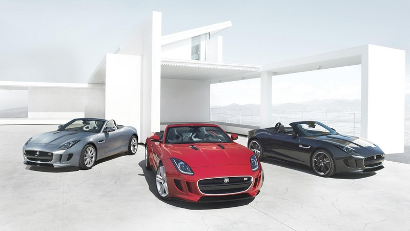 Jaguar F-Type V6 vs V8. Care SUNĂ mai bine? VIDEO