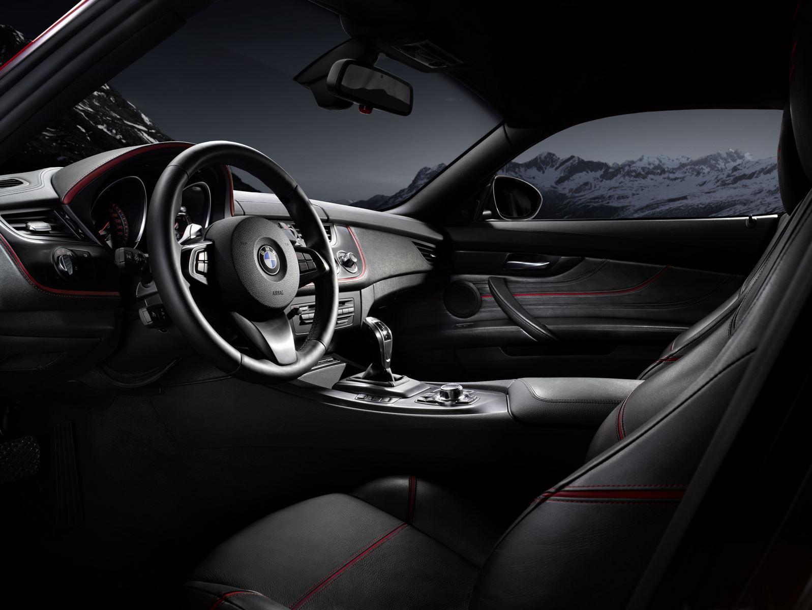 BMW Zagato Coupe: interior centrat in jurul soferului